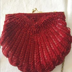 LA REGALE Red Beaded Shell Scalloped Clutch